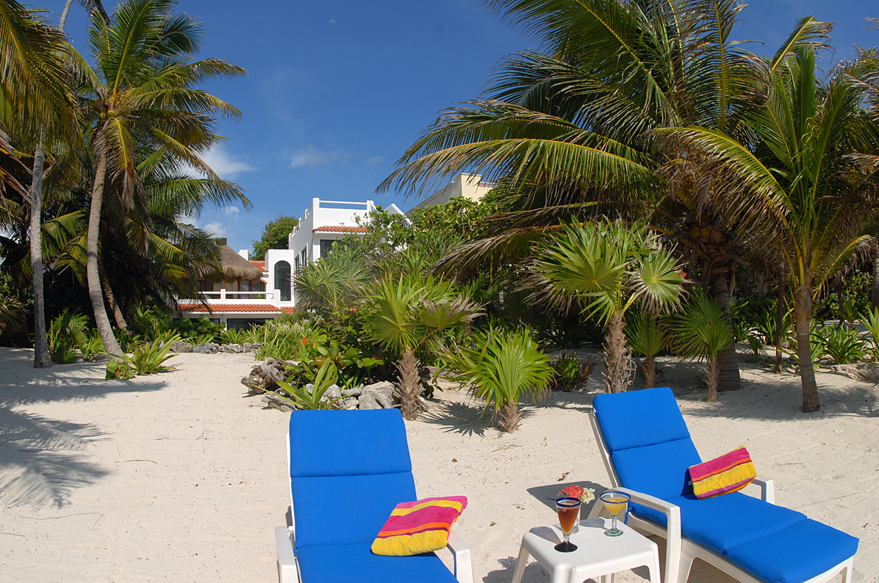 Villa Mayamor, South Akumal. Beachfront perfect location!