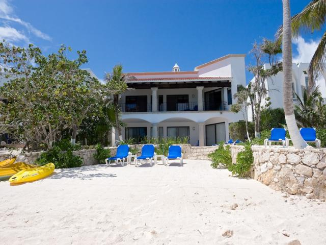 Villa Ka Kuxta. South Akumal Beach front Villa, 5 bedrooms.