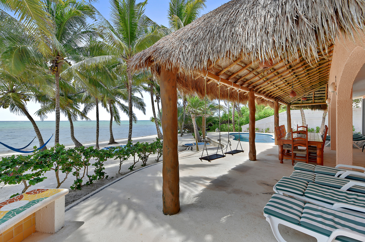 Casa Rosa Tankah Bay Tulum, Private pool and sandy beach