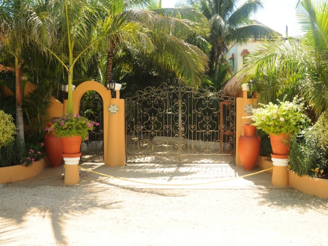 Villa Yardena. Main gate to property