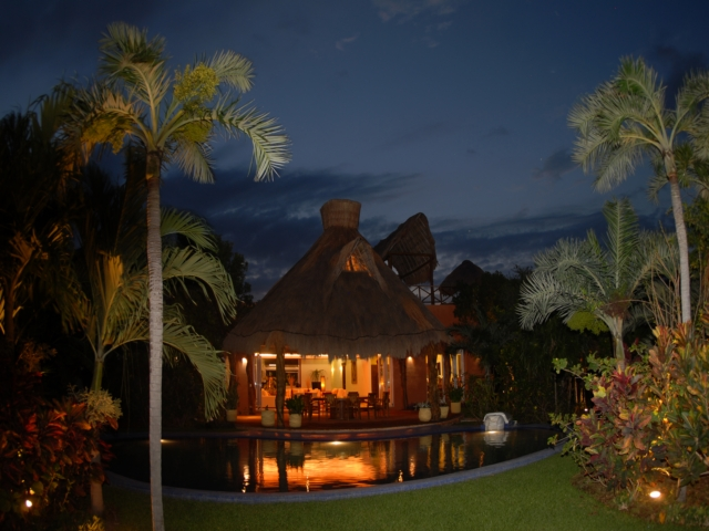 Villa Laguna Encantada. Night view